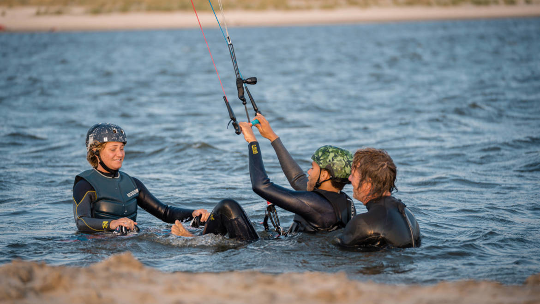Leren kitesurfen op Oostvoorne